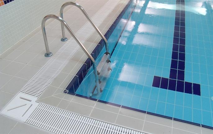 porcelain-tiled-pool